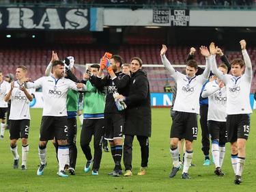 Los jugadores del Atalanta agradecen a sus aficionados su apoyo. (Foto: Getty)