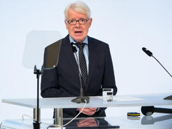 BVB-Präsident Reinhard Rauball stapelt tief