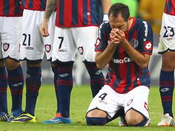 San Lorenzos Emanuel Mas betet beim Elfmeterschießen gegen Gremio