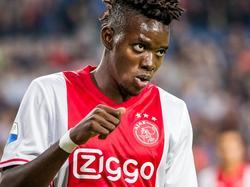Bertrand Traoré is teleurgesteld nadat hij een kans mist tegen Roda JC bij zijn debuut. (13-08-2016)