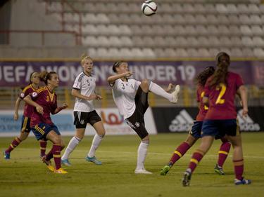 Die deutschen U19-Juniorinnen qualifizieren sich als Gruppensieger für das Halbfinale der EM 2015