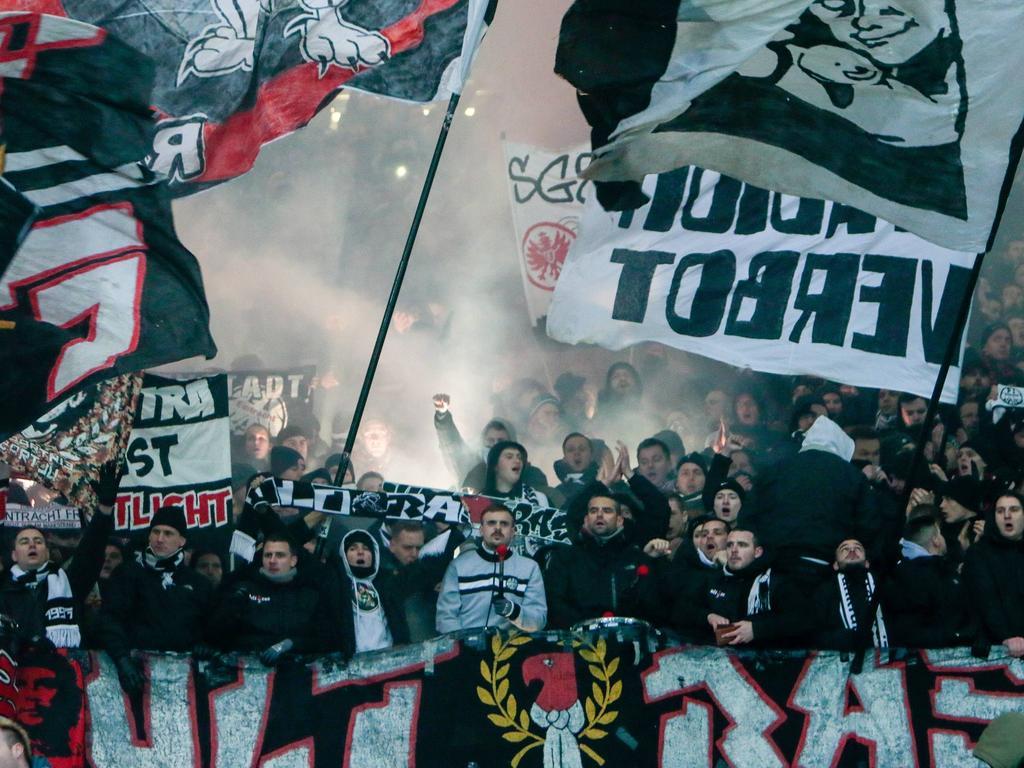 Im Pokalspiel gegen Hannover war im Frankfurter Block gezündelt worden