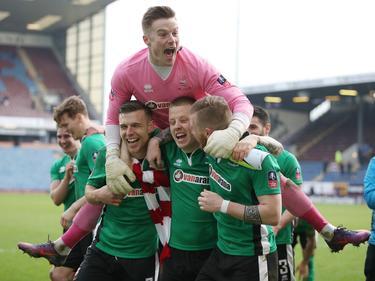 De amateurs van Lincoln City kunnen het amper geloven, maar hun ploeg wint van Premier League-club Burnley. (18-02-2017)