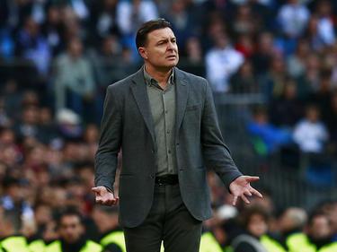 Cristóbal da órdenes en su última visita al Bernabéu. (Foto: Getty)