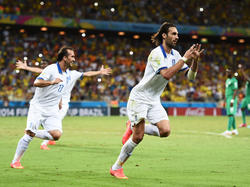 Georgios Samaras (r.) ist Griechenlands Last-Minute-Held