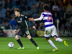 Brightons Sébastien Pocognoli (l.) darf von einem erneuten Engagement in der Premier League hoffen