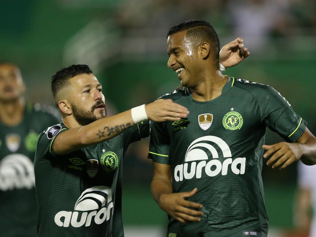 El Chapecoense celebra el gol de Reinaldo. (Foto: Getty)