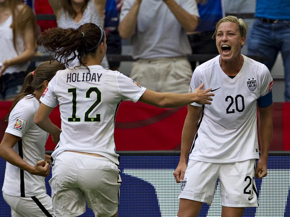 Abby Wambach (r.) führt USA zum Gruppensieg