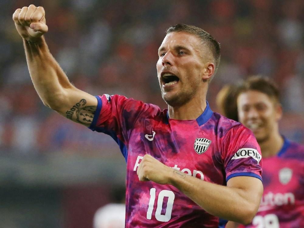 Da war die Welt noch in Ordnung: Lukas Podolski traf gegen Sagan Tosu zur zwischenzeitlichen Führung