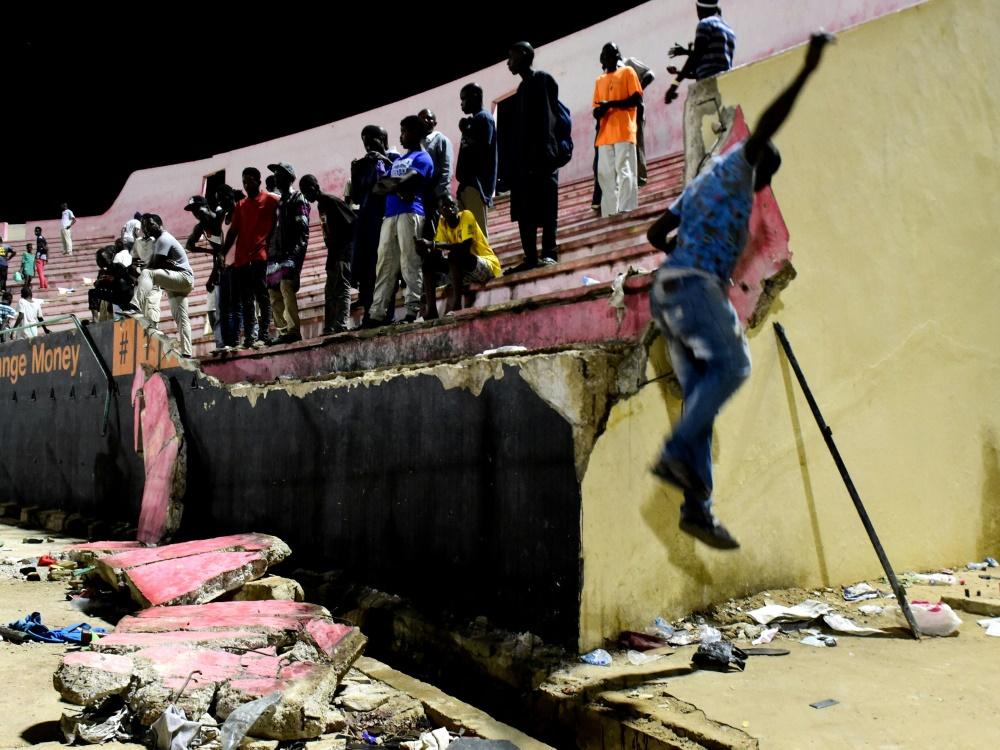 Der Verband suspendiert US Ouakam nach tödlicher Massenpanik