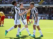 Pablo Dybala (r.) war mit drei Toren Juves Matchwinner