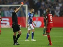 Der Frankfurter Gelson Fernandes (r.) verpasst das Pokalfinale