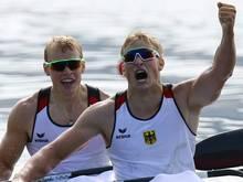 Max Rendschmidt (r.) gewinnt in Duisburg