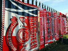 Die 65 Aberdeen-Fans nahmen 5495 Kilometer auf sich