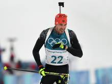 Arnd Peiffer triumphiert im Sprint der Männer