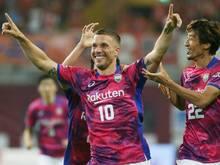 Lukas Podolski setzt auf deutsche Unterstützung durch Engels