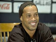 Ronaldinho ist bei Fluminense vorgestellt worden