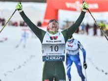 Fabian Rießle feiert Start-Ziel-Sieg in Klingenthal