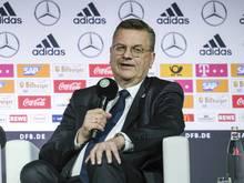 DFB-Präsident Reinhard Grindel setzt noch voll auf das Weiterkommen