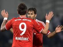 Claudio Pizarro (r.) traf nach Vorlage von Mandzukic