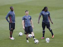 Christian Kabasele (l.) op een training van het Belgisch nationale elftal.