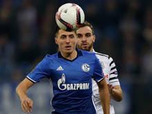 Alessandro Schöpf in het tenue van Schalke 04 voordat hij geblesseerd raakte