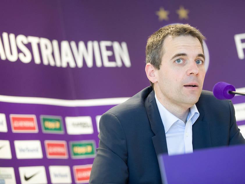 Die Austria-Fans lassen ihren Frust an Markus Kraetschmer aus