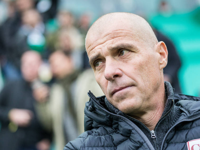 Mattersburg-Trainer Klaus Schmidt will an Rapid dranbleiben