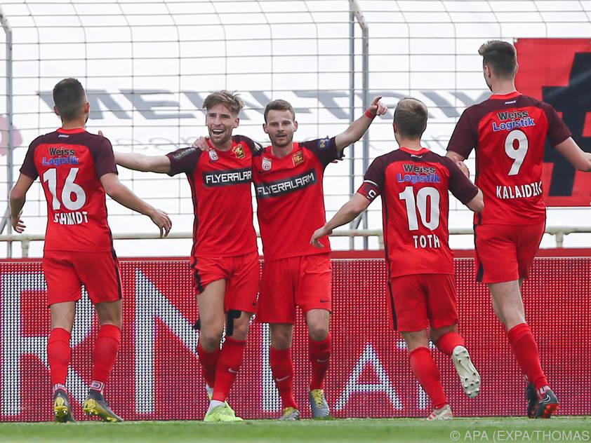 Jubel in der Südstadt - Admira Wacker bleibt in der Fußball-Bundesliga