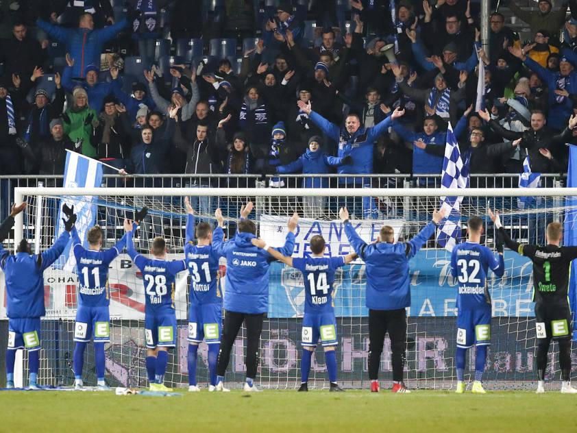 Hartberg baut den Vorsprung auf die Austria aus