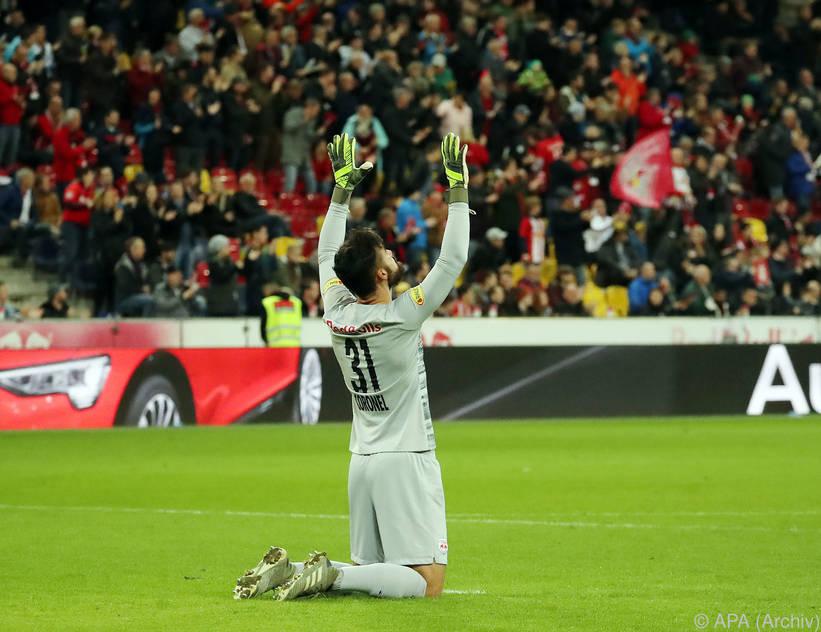 Nach Einsätzen in der CL-League verlängert Salzburg mit seinem Torwart