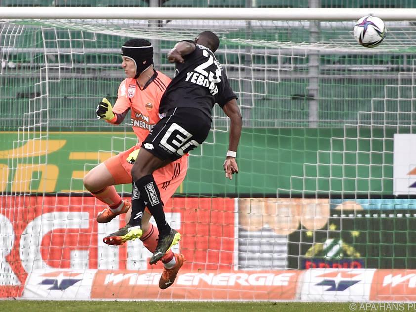 Luftduell Strebinger gegen Yeboah war der Aufreger der Partie