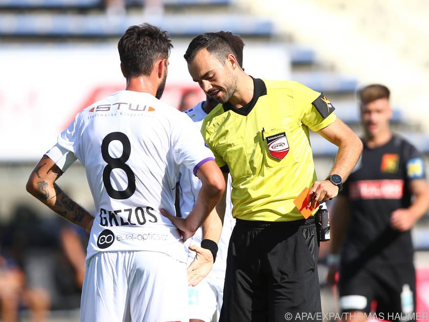 Kosmas Gkezos wurde nach seinem Ausschluss für zwei Spiele gesperrt