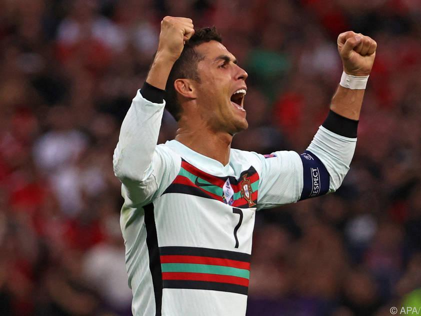 Cristiano Ronaldo bejubelt den Sieg, einen Doppelpack und den EM-Rekord