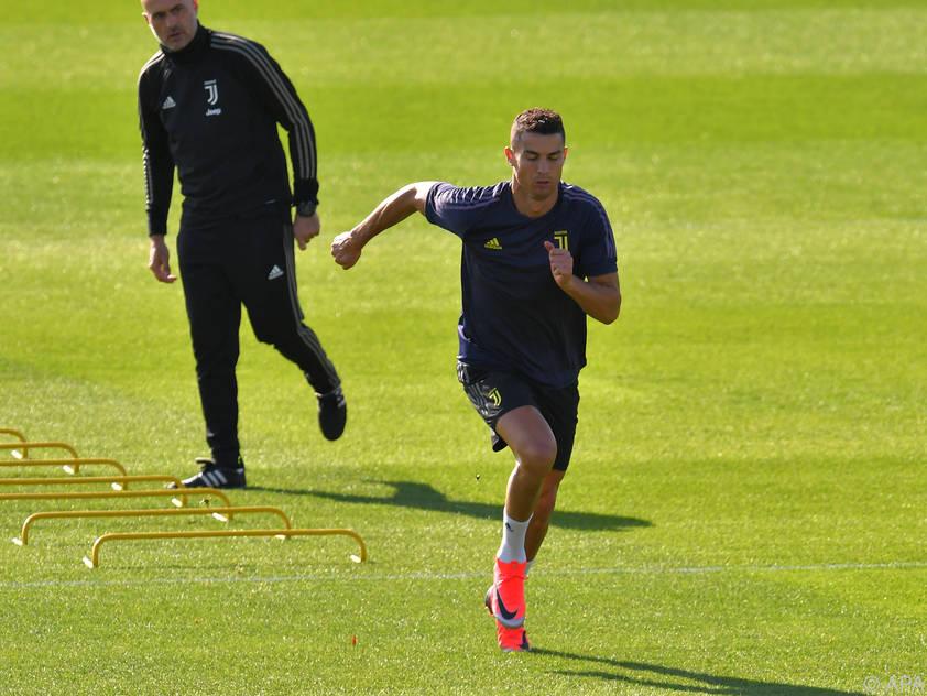 Cristiano Ronaldo läuft sich für Manchester warm