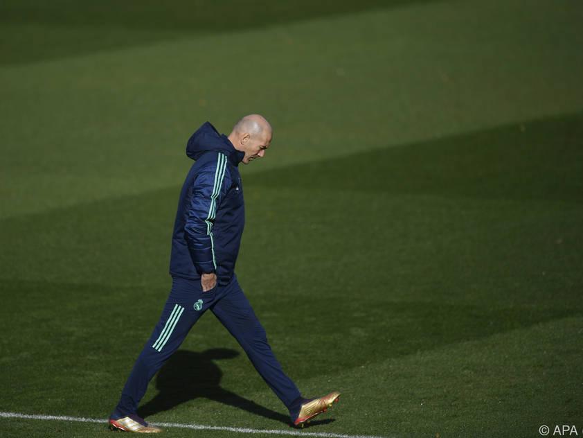 Real-Coach Zidane will mit einem Sieg über PSG das Achtelfinale perfekt machen