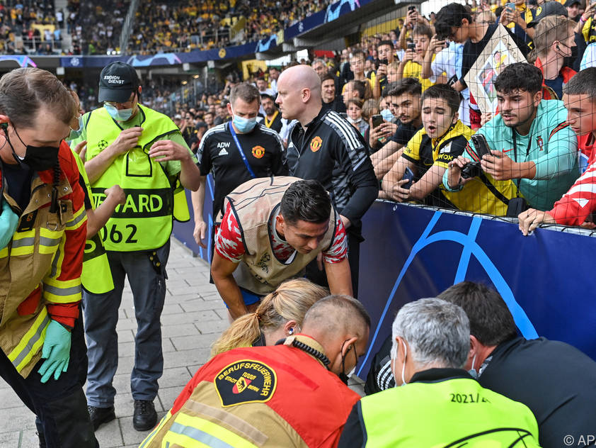 Ronaldos Schusskraft brachte Ordner zu Boden