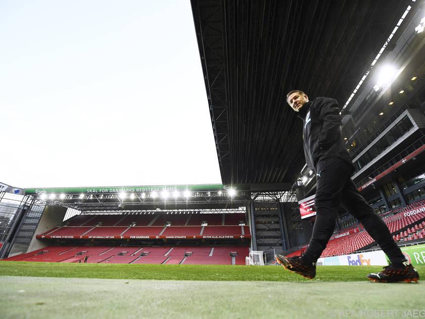 Teamchef Foda im Parken-Stadion zu Kopenhagen
