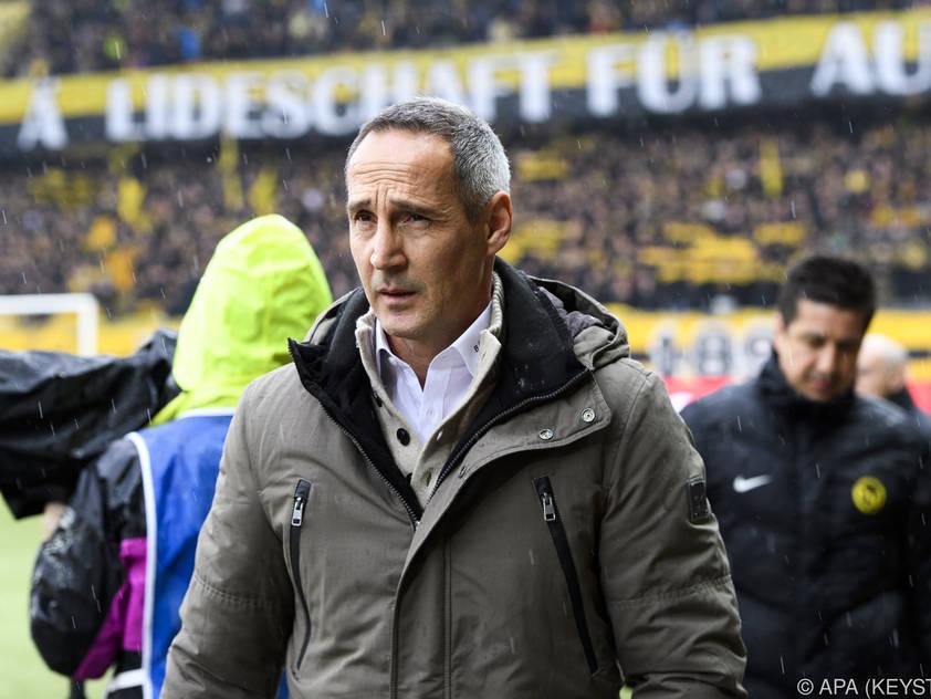 Adi Hütter stand im Regen, durfte sich aber über einen Sieg freuen