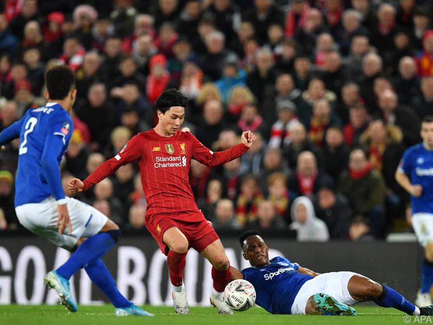 Minamino stand gegen Everton am Platz