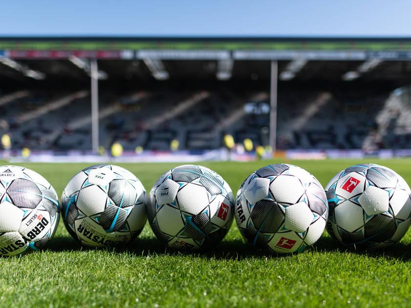 Ab Mitte Mai soll der Fußball in Deutschland wieder über den Rasen rollen