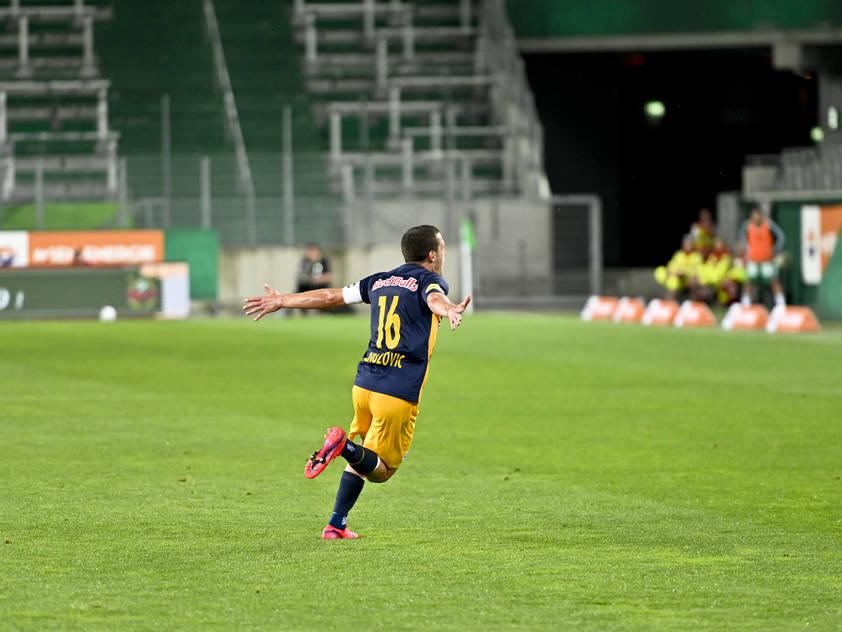 Zlatko Junuzović jubelt nach seinem Traumtor gegen Rapid