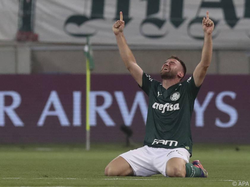 Palmeiras-Profi Empereur jubelt über die Finalteilnahme