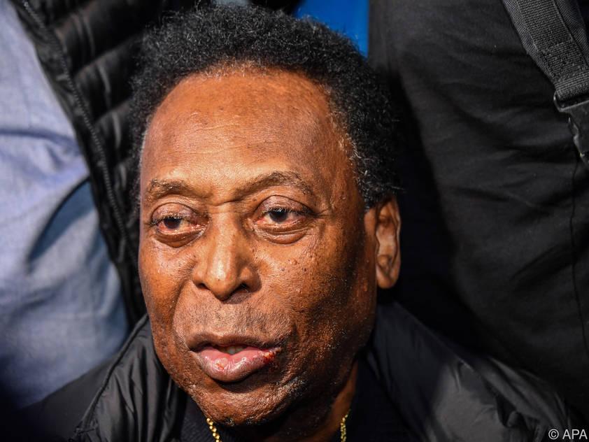 Der ehemalige Star-Kicker Pelé erhielt die Corona-Impfung