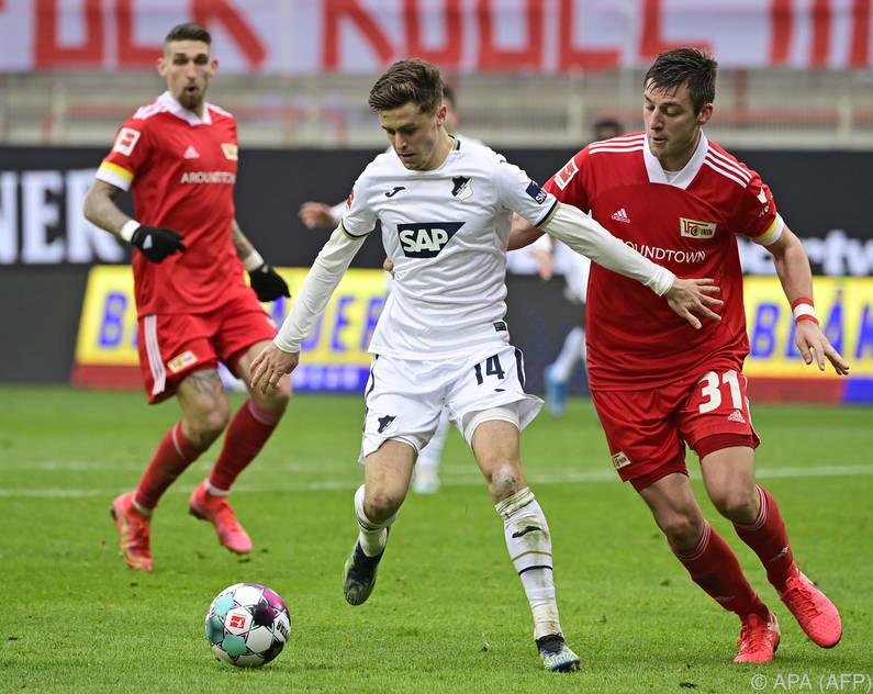 Christoph Baumgartner (m.) verlängerte bei Hofenheim bis 2025