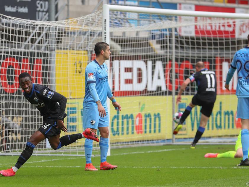 Paderborns Christopher Antwi-Adjej (l.) feiert seinen Treffer
