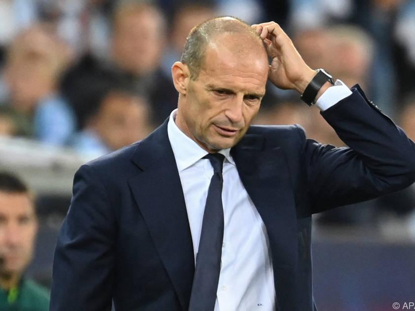 Coach Massimiliano Allegri wirkt ob der Juve-Leistungen etwas ratlos