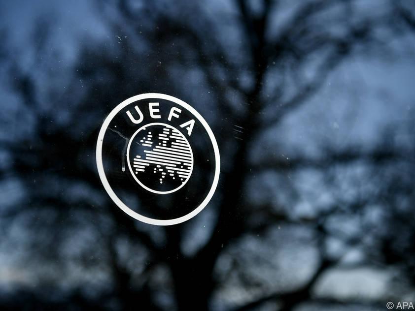 Die UEFA stimmt sich mit den Ligen ab
