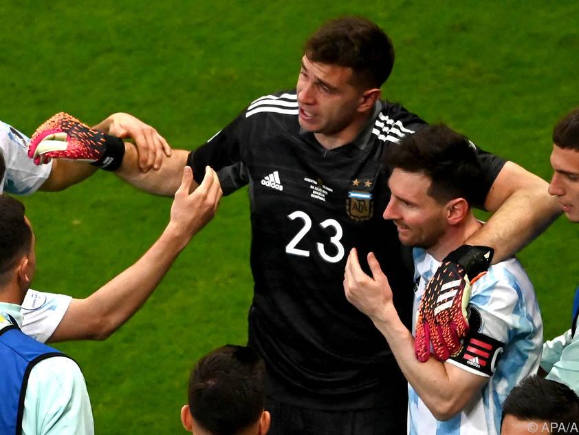 Die argentinischen Spieler jubeln über den Finaleinzug bei der Copa América