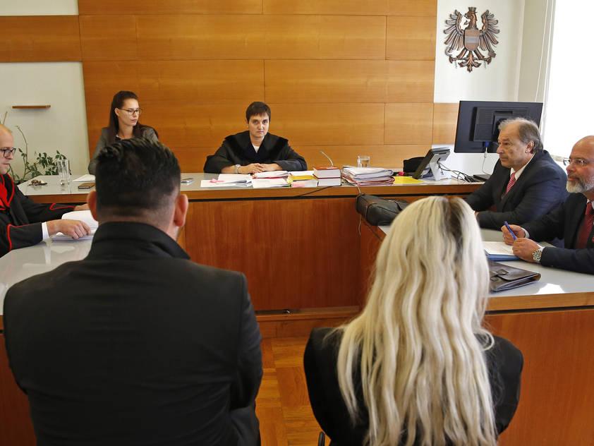 Der Becherwurf von Graz ist nur einer der Anklagepunkte